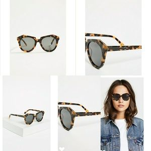 Karen Walker.Case and cleaning cloth included.